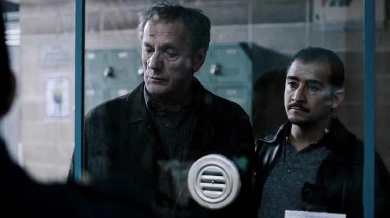 The Night Of 1x03 A Dark Crate cena 3